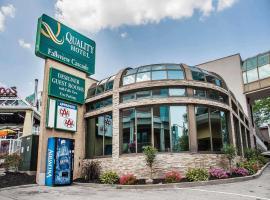 Quality Hotel Fallsview Cascade, hotel v destinaci Niagara Falls