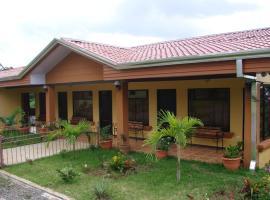Cabinas Tierra Bella, hotel in Alajuela