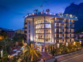 Hotel Kristal Palace - TonelliHotels, hotel in Riva del Garda