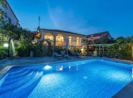 Villa Emilia, hotel in Vodice