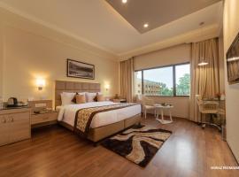 Hotel Clarks Shiraz, hotel in Agra