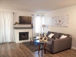 Luxurious stay at modern condo, vacation rental in Las Vegas
