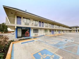 Motel 6-San Marcos, TX, hotel in San Marcos