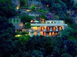 Villa Punta del Sole, hotel with jacuzzis in Positano