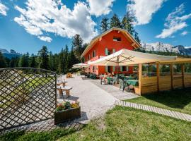 La Locanda del Cantoniere - Ciasa Vervei, hotel in Cortina d'Ampezzo