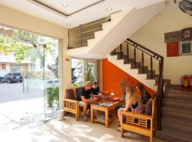 DMZ Hotel, hotel near Dieu De National Pagoda, Hue