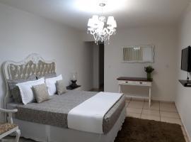 Pousada Cris Garden Bed&Breakfast, hotel near Orchid Area, Foz do Iguaçu