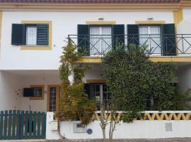Casa da Oliveira, vacation home in Vila Nova de Milfontes