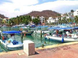 Canadian Resort Huatulco, hotel in Santa Cruz Huatulco