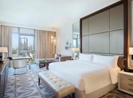 Hilton Dubai Al Habtoor City, hotel in Sheikh Zayed Road, Dubai