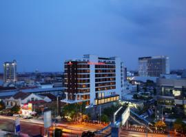 Grandhika Pemuda Semarang Hotel, hotel near Semawis Market, Semarang