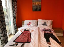 KMHeim, Cozy 103m2 apartment, with 3 bedroom and covered free parking place, close to city center, Ferienwohnung in Graz