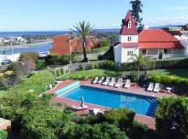 Pacific Heights Holiday Apartments, serviced apartment in Merimbula