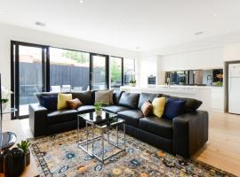 BOUTIQUE STAYS - Murrumbeena Place 1, hotel in Carnegie