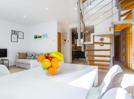 Feriapiso Apartments Palmer, hotel near Can Serra Metro Station, Hospitalet de Llobregat