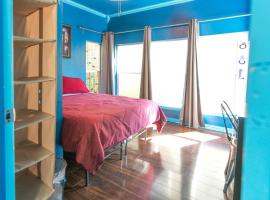 East Downtown Blue Dream, vacation rental in Houston
