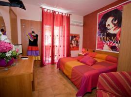 Hotel Cineholiday, hotel near Naples Central Train Station, Naples