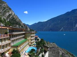 Hotel Splendid Palace, hotel in Limone sul Garda