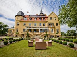 Schlosshotel Wendorf, hotel near Mecklenburgisches Staatstheater Schwerin, Wendorf