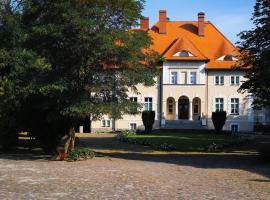 Pałac w Dębinie, hotel in Krzeszkowice