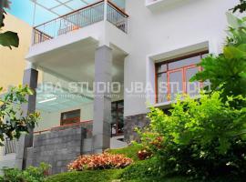 Dago Pakar Villa P4-16, villa in Bandung