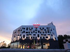 Hype Motorsports Hotel near KLIA, hotel in Nilai