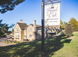 The Royal Oak. Public House, accommodation in Stamford