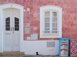 Pink house, hotel en Silves
