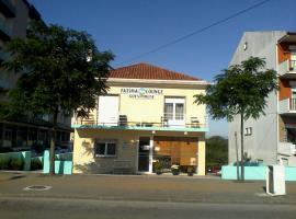 Fatima Lounge Guest House, quarto em acomodação popular em Fátima