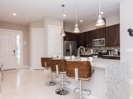 Magical Townhouse with balcony at Summerville resort SU7528, hotel in Orlando