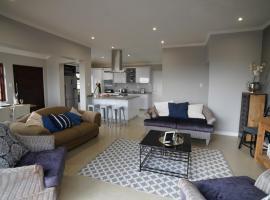 Villa 93, hotel near Beachwood Golf Club, Durban