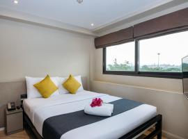 Lucky House Khaosan, hotel near Temple of the Emerald Buddha, Bangkok