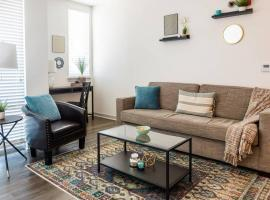 Mass Ave Arts District 1 BR Apt by Frontdesk, apartment in Indianapolis