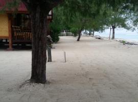 Yaya Bungalows Blue Coral, hotel in Gili Meno