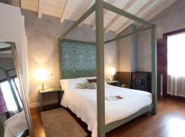 Casa Rural Etxegorri, hotel near Gorbea Mountain, Orozko