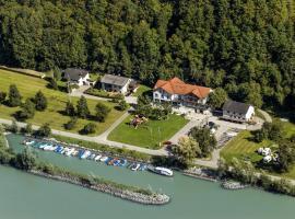 Gasthof-Pension Luger, hótel í Wesenufer