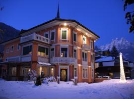 Hotel Luis, hotel a Fiera di Primiero