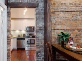 416A Waldburg st · Newly Renovated 1920's Historic District Apt, apartment in Savannah
