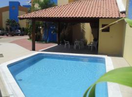 Duplex com piscina e churrasqueira, hotel with pools in Maceió