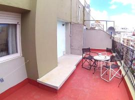 A pasos del mar con enorme terraza!, hotel en Mar del Plata