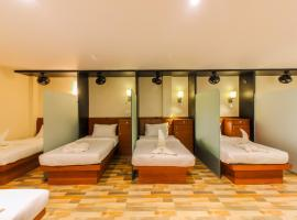 Hygienic Blossom Dormitory, hostel in Mumbai