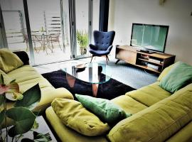 Downtown Townhouse Special, hotel in Auckland