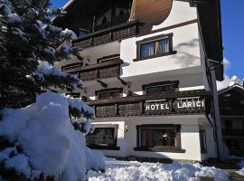 Hotel I Larici, hotel in Bardonecchia