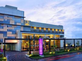 Quest Hotel Simpang Lima - Semarang by ASTON, hotel di Semarang