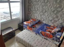 4 Bed Condo Sleeping by The Sea, apartment in Jakarta