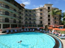 Blue Flamingo 1bhk Private Apartment at Nazri Resort, hotel with pools in Baga
