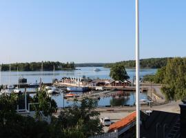 Vaxholm Seaview Cottage, hotel near Bogesund Castle, Vaxholm
