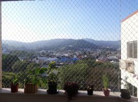 Apartamento amplo, arejado e com ótima localização, hotel near Iguatemi Florianopolis Shopping Mall, Florianópolis