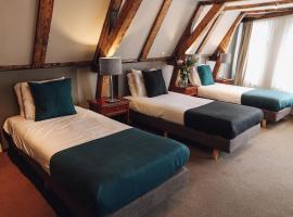 Hotel Corner House, hotel near Madame Tussauds Amsterdam, Amsterdam