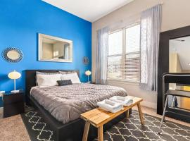 Trifecta Luxury Serviced Apartment in DT Raleigh, apartment in Raleigh